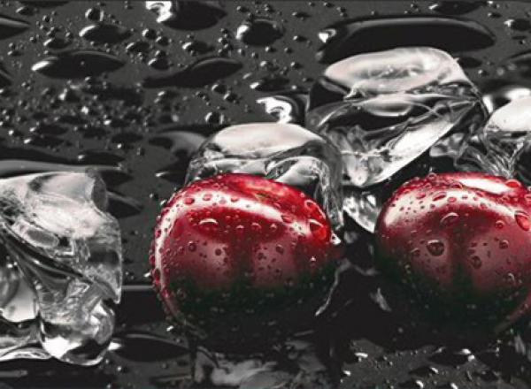 """Стеновая панель с фотопечатью """"Черные вишни"""""""
